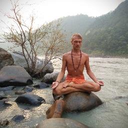 Медитация под проливным дождем, я и вода — едины