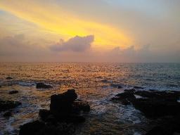 Волны и скалы, великая пустошь и тишина